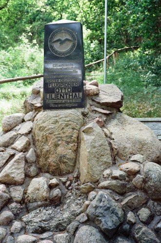 Bild der Absturzstelle des Fliegers Otto Lilienthal am Gollenberg bei Stoelln im Havelland