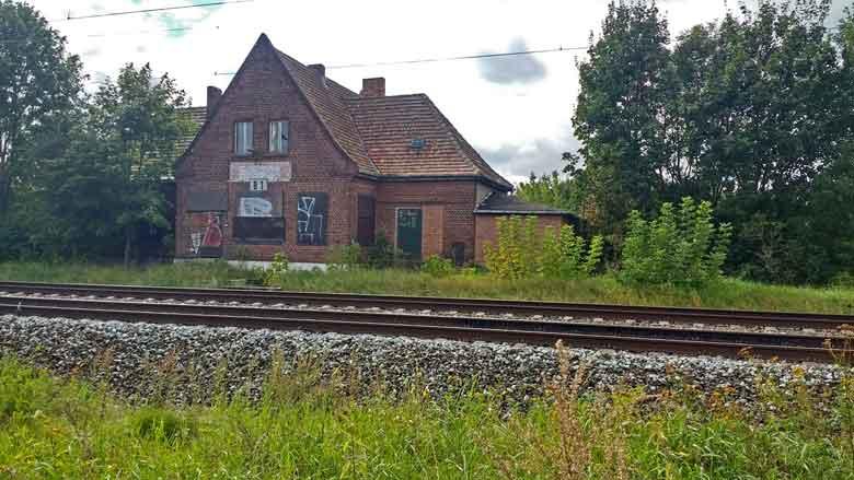 Bild aufgegebener Bahnhof Vietznitz an der Bahnstrecke Berlin-Hamburg