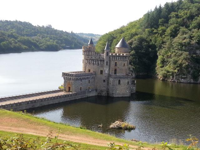 Bild vom Château de la Roche an der Loire im gleichnamigen Département in Frankreich, aufgenommen bei einer Motorradtour an die obere Loire