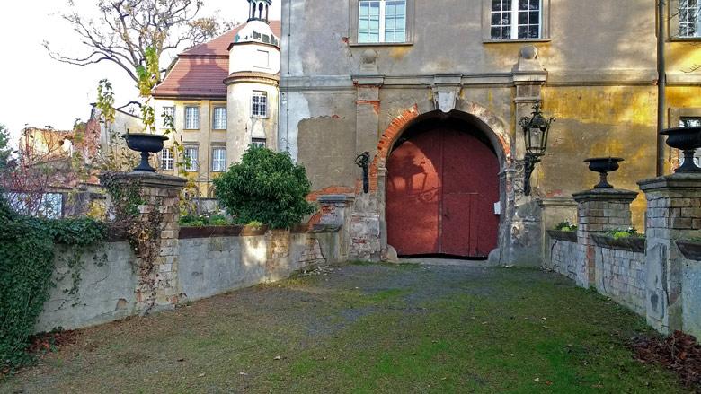 Bild vom Toreingang Schloss Lieberose in der Niederlausitz