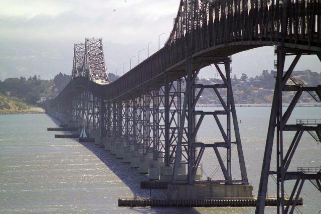 Bild der Richmond-San-Rafael-Bridge über die North San Francisco Bay