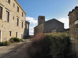 Bild von Schloss und Kirche von Riverie (Département Rhône)