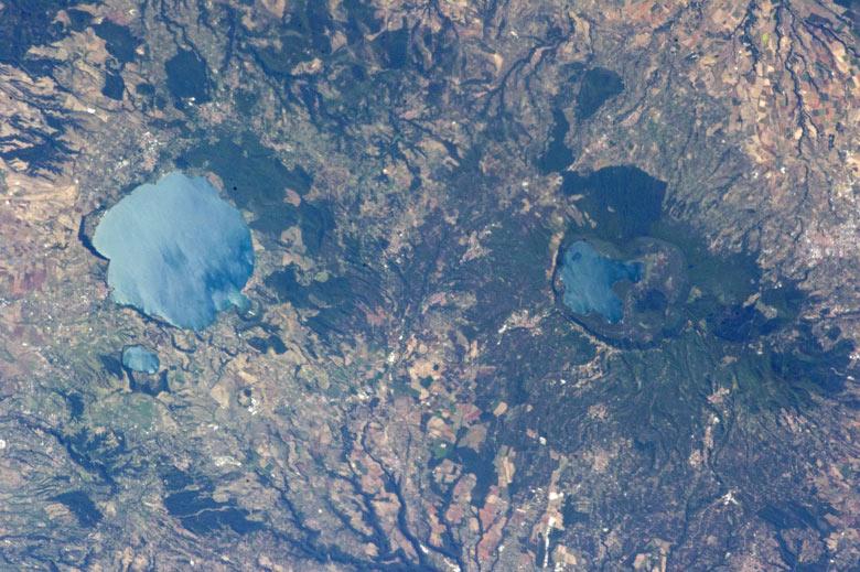Lago di Vico in Italien von der Raumstation ISS aus gesehen