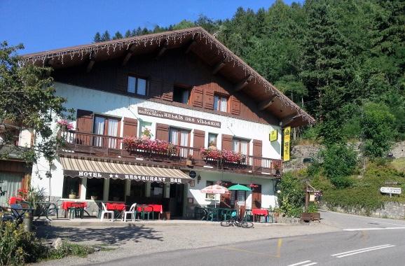 Hotel in Séez in den französischen Westalpen als Ausgangspunkt für Motorradtouren mit viel Lust auf Alpenpässe
