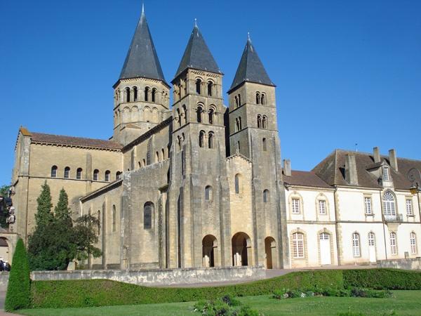 Basilika Paray-le-Monial Burgund, besucht bei einer Motorradtour durch Burgund