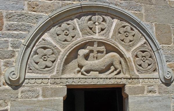 Tympanon der Kirche von Varenne in Burgund