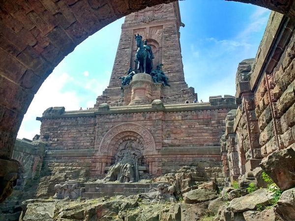 Bild vom Kyffhäuser-Denkmal bei Bad Frankenhausen