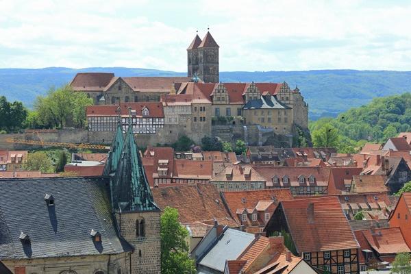 Bild vom Schloss Quedlinburg mit Stiftskirche St. Servatii