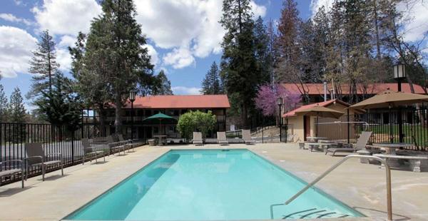 Groveland Hotel Buck Meadows, CA mit Swimming Pool