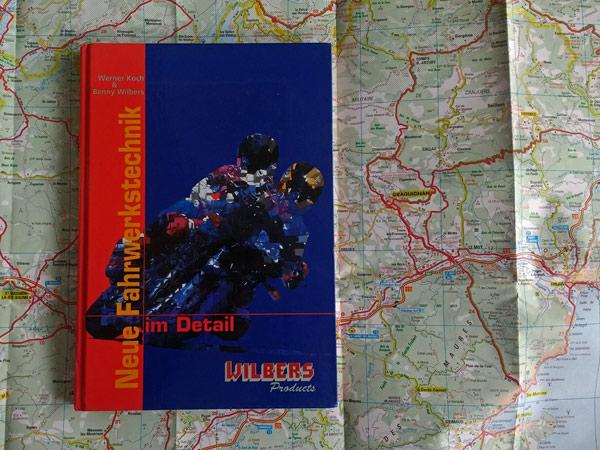 Buch von Koch-Wilbers Neue Fahrwerkstechnik auf einer Landkarte