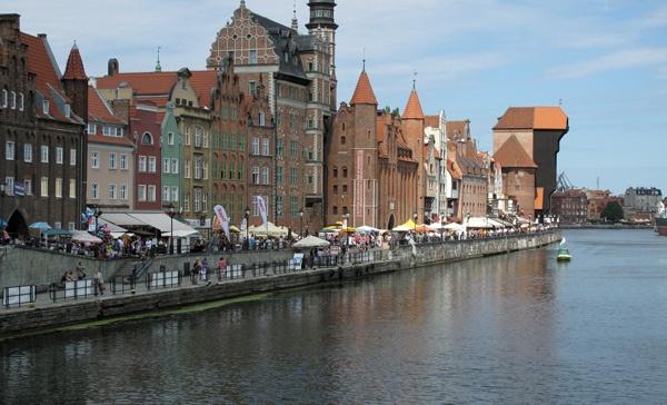 Altstadt von Danzig an der Weichsel mit Blick auf das Krantor