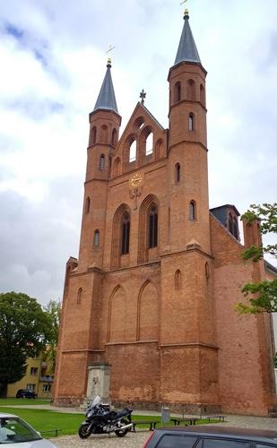 Marienkirche in Kyritz, besucht bei einer Motorrad-Pilgertour nach Bad Wilsnack