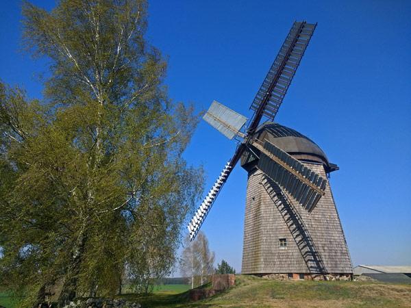Holländermühle in Kolpien (Brandenburg), gesehen bei einer Motorradtour zur Dahmequelle