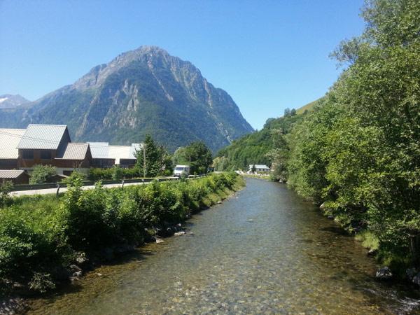 Auffahrt zum Croix de Fer bei Allemont (Dept. Savoie, Frankreich)