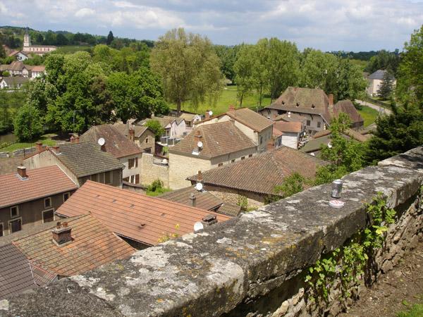 Panorama von Châteauneuf in Burgund