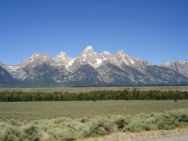 Grand Tetons in Wyoming, vom fahrenden Motorrad aus aufgenommen