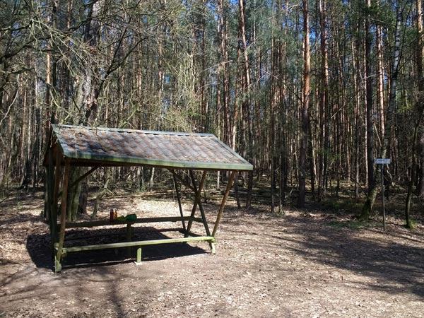 Schutzhütte für Wanderer an der Dahmequelle