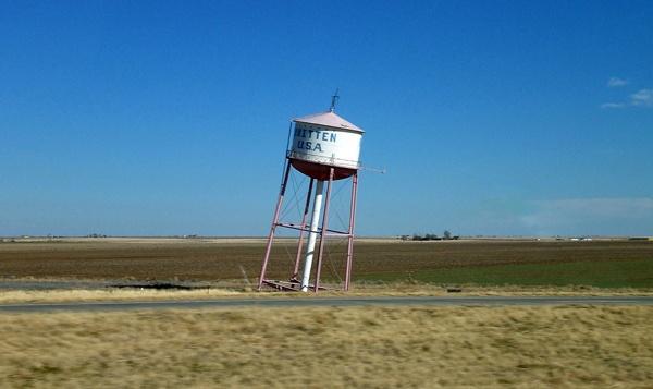 Schiefer Wasserturm in Groom, TX