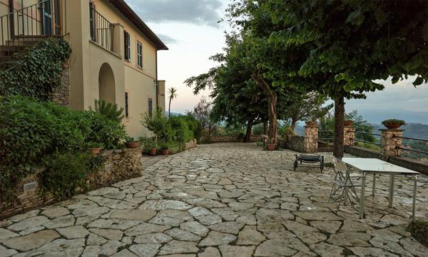 Casa Baldi in Olevano Romano, besucht bei einer Tour auf Motorrad-Traumstrassen in den Abruzzen