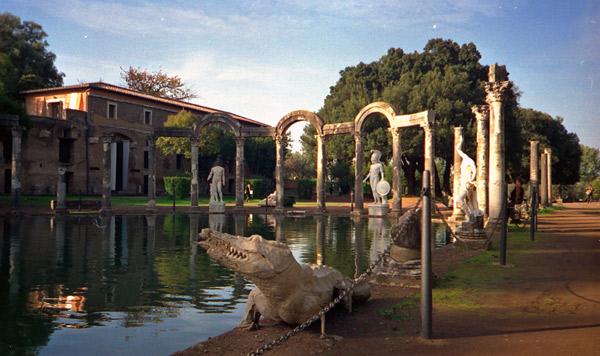 Villa Adriana bei Rom am Rande der Motorrad-Traumstrassen durch die Abruzzen