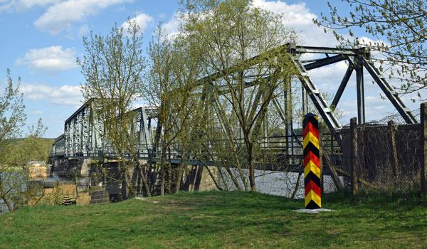 Brücke, auf Motorradtouren: Zollbrücke bei Bienenwerder im Oderbruch