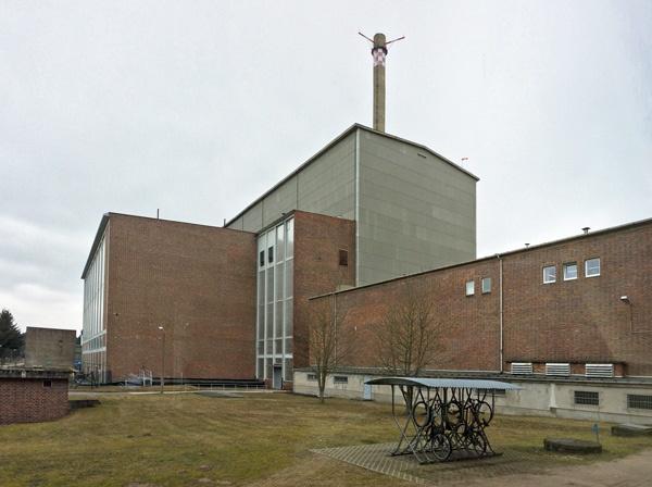 lost places in brandenburg: reaktorgebaeude des ehemaligen kkw rheinsberg