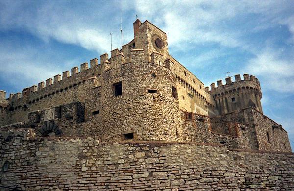 motorradtour im etruskerland: castello di bracciano