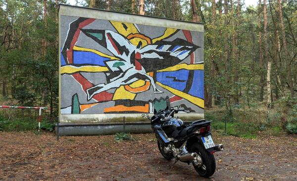 neue ziele fuer motorradtouren: stoelln lilienthal mosaik motorrad