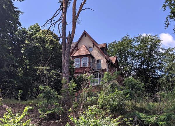 villa auf dem gelaende des sanatoriumskomplexes in hohenlychen