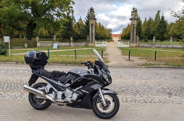 motorradtour in die mueritz: rheinsberg schlosspark motorrad