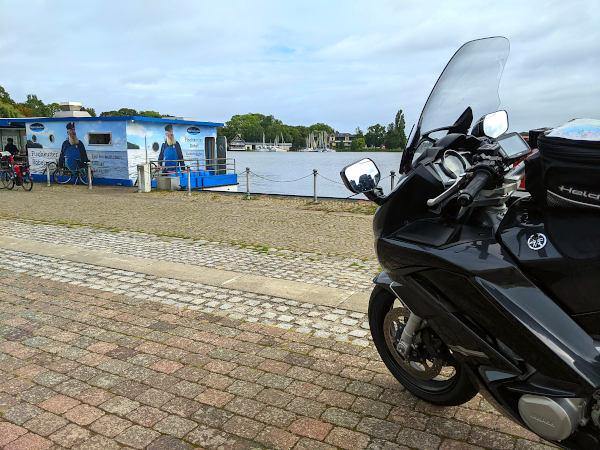 motorradtour in die mueritz: roebel hafen motorrad